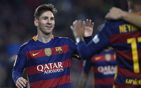 lionel messi biography in spanish barca agree reported record nike deal sport the