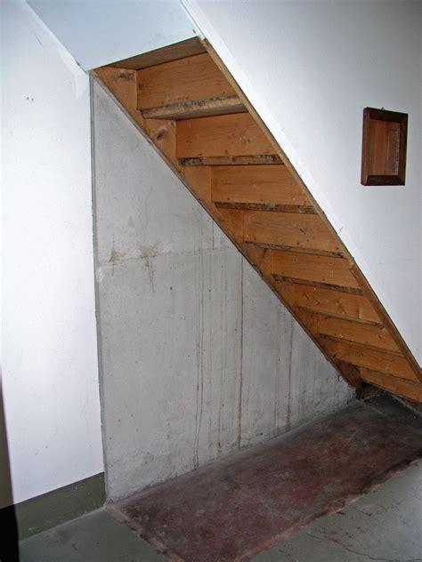 wandschrank verkleiden mit den jahren warder alte schrank unter der treppe