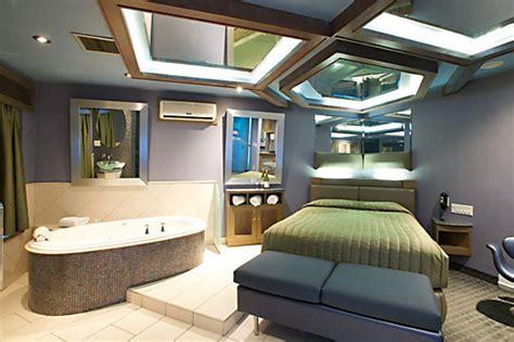 2 bedroom suites montreal suite avec bain tourbillon 200