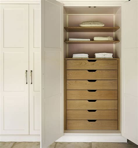 Wardrobe Drawers by 25 Best Ideas About Closet Drawers On