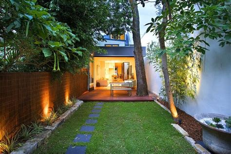 reihenhausgarten gestalten ideen und tipps f 252 r den - Schmaler Garten Gestalten