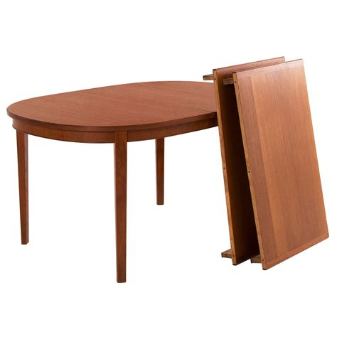 Extendable Oval Dining Table by Extendable Oval Dining Table In Teak At 1stdibs