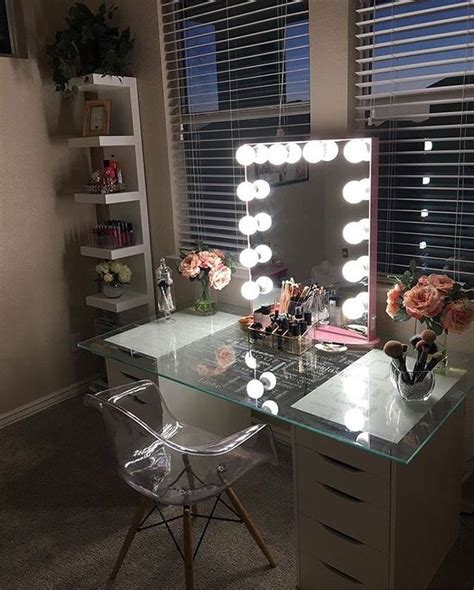 Bedroom Vanity Rooms To Go Nikiwilson Picks Pretty Pink Peonies To Accent