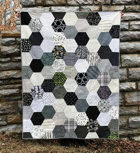 Black And White Patchwork Quilt - the black white gray half hexie quilt an school