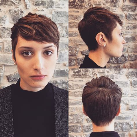 27 hot pixie cuts to copy in 2018 hairstyle guru black on top and blonde on bottom hair 27 hot pixie cuts