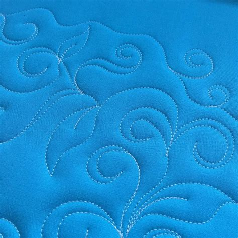 free motion quilting swirls and circles quilt addicts how to free motion quilt swirl designs weallsew