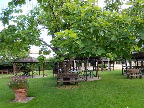 il giardino piacere il piacere country house esterno edificio giorno 2