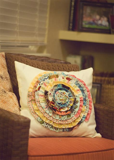 Cool Pillows To Make by 49 Crafty Ideas For Leftover Fabric Scraps Page 10 Of 10