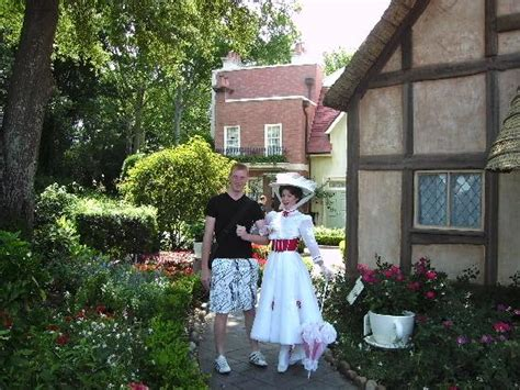 mary poppins in epcot everything mary poppins in england in the world showcase picture of