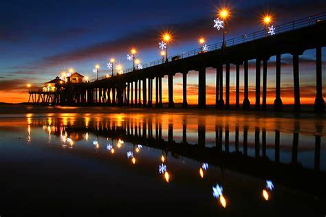 huntington beach christmas lot tree california beaches to anaheim travel deals