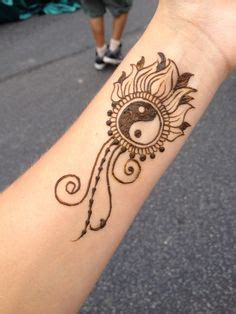 what does a tattoo on your wrist feel like 1000 ideas about henna wrist on anchor