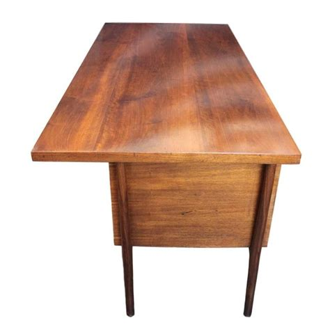 large executive mid century modern walnut l shape desk iconic 1950s mid century modern walnut executive desk by