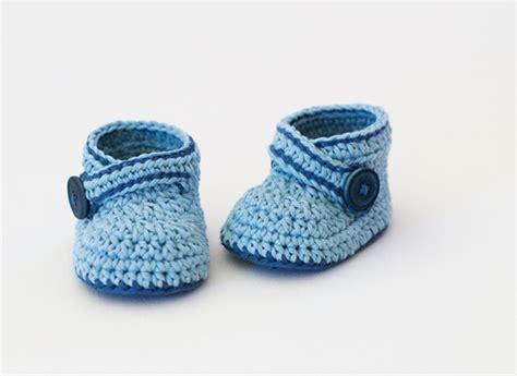 crochet pattern little blue baby booties blue whale baby booties free crochet pattern