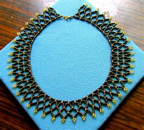 free easy seed bead patterns free easy pattern for preatty beaded necklace bronze age