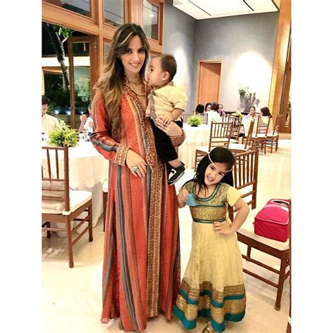 Baju Anak Nia Ramadhani 10 gaya mikhayla anak nia ramadhani yang elegan bak putri
