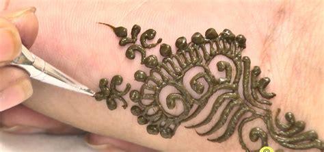make henna tattoo how to create mehndi design for in minutes 171 henna