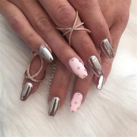 Metalic Design 21 trendy metallic nail designs to copy right now stayglam