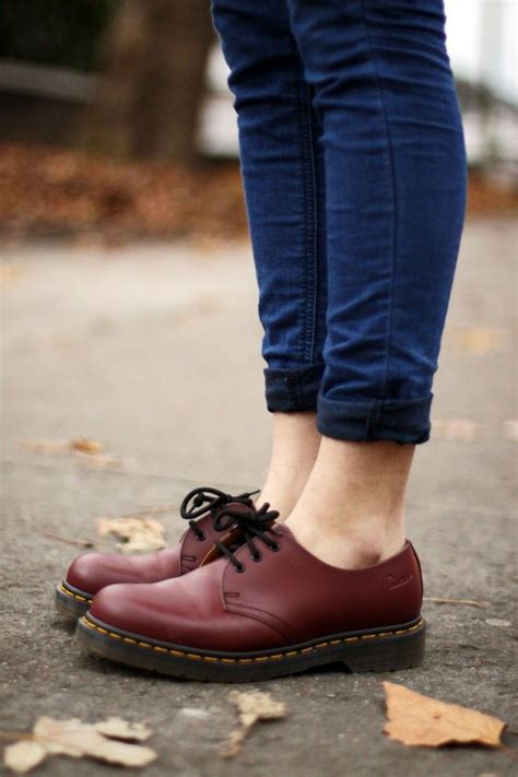 Sepatu Boot Dr Martens Dokmart Maroon Low burgundy low dr martens rolles cuffs best purchase