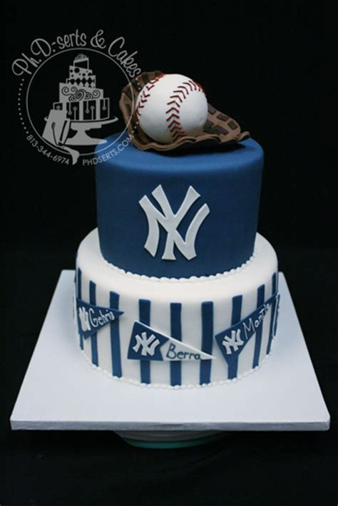 Ph.D. serts   Yankee?s Groom?s Cake   Tampa Wedding Bakery   Ph.D. serts & Cakes
