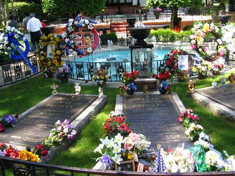 Pictures Of Gardens And Flowers by File Graceland Cemetery Memphis Tn 1 Jpg Wikimedia Commons