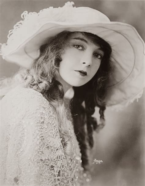 born female documentary classic films and actors lillian gish delicate beauty