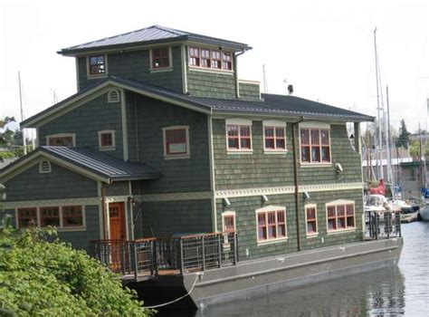 house boat seattle seattle cracks down on houseboat like boats seattlepi com