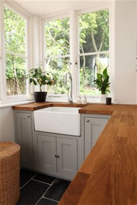 Meuble Plan De Travail Cuisine 343 by Small But Bright Kitchen With Lots Of Light Small