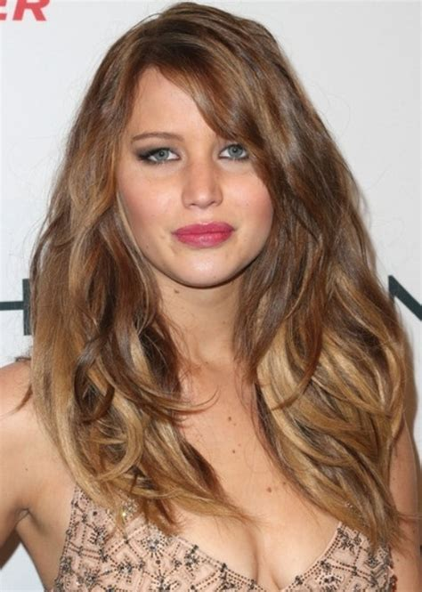 haircut for round face and small eyes top 100 hairstyles for round faces herinterest com