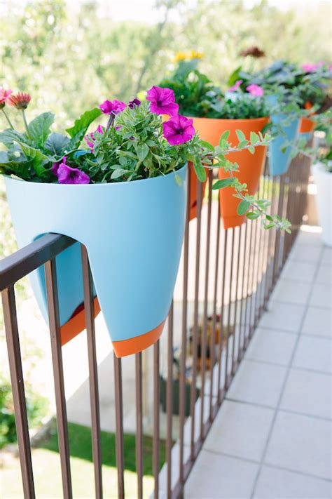 Balcony Railing Planter by Creative Outdoor Accessories To Hang From Your Balcony Railing