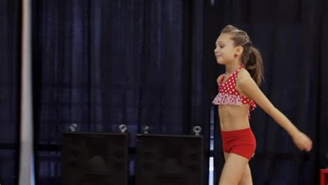 how to do the hairstyles on dance moms dance moms hairstyles maddie rehearsal hairstyle