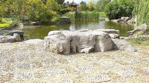 garten steine den garten mit steinen gestalten praktische tipps