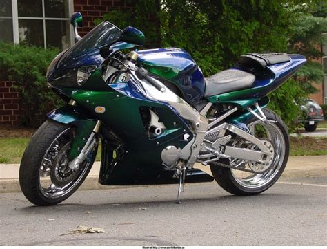 17 best images about bikes cars on sport bikes yamaha r6 and custom hayabusa