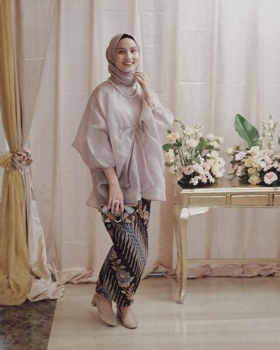 Batik Modern Organza 5 model kebaya muslimah organza yang banyak dipakai