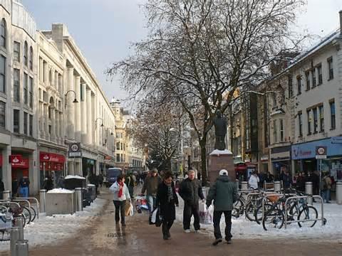 christmas shopping queen street 169 robin drayton
