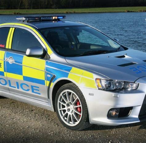 Schnellstes Auto Der Welt 0 100 by Top Ten Das Sind Die Schnellsten Polizeiautos Der Welt