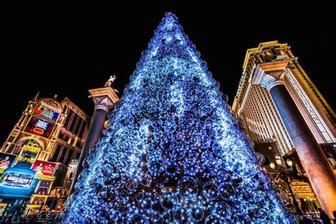tori spelling and her family light up the venetian