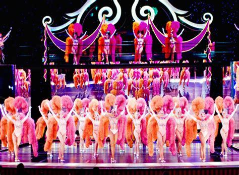 s jubilee jubilee showgirls strut their stuff las vegas