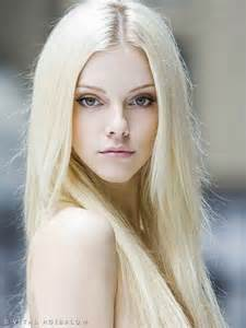 best hairstyle for pale oblong with hazel white blonde hair and hazel eyes v i s a g e