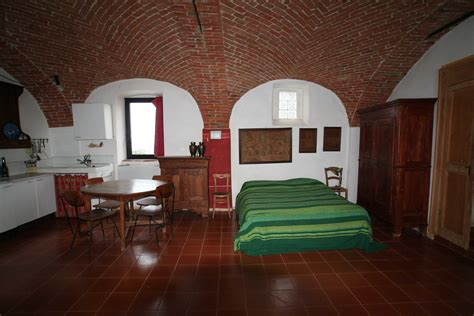 Bed End Table I Monolocali Agriturismo Cascina Martina