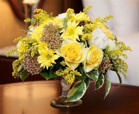 yellow flower arrangements centerpieces yellow flower centerpieces and table decoration ideas