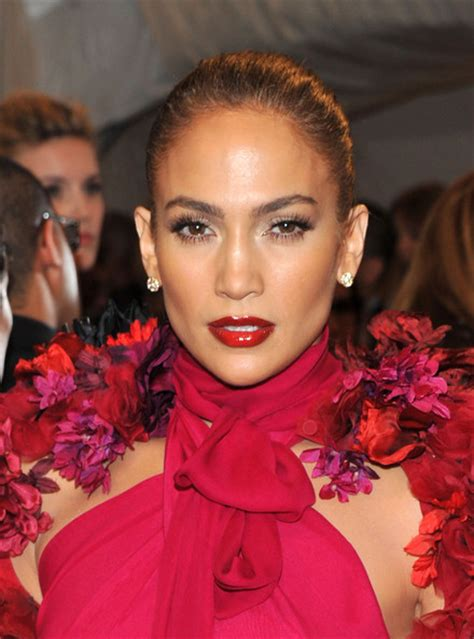 what lipstick and gloss does jennifer lopez wear jennifer lopez lipgloss jennifer lopez makeup looks