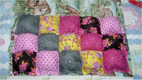 How To Make A Puff Quilt by How To Make Puff Quilts Also Called Biscuit Quilts