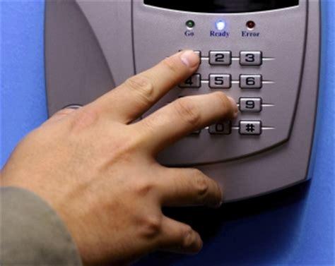 security locksmith milwaukee waukesha rekey locks