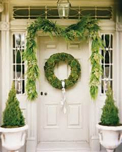 Light Up Topiary Balls - holiday decorating ideas for your entryway mod interiors
