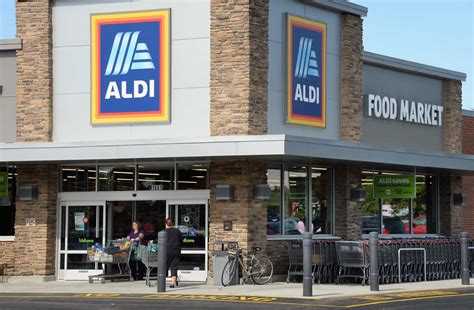 aldi s newly expanded halfmoon store now open newstimes