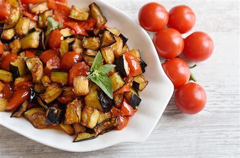 cucina semplice e veloce melanzane a funghetto ricetta napoletana semplice e veloce