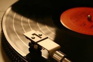Evaluate Vinyl Records - using key value factors to evaluate vinyl records