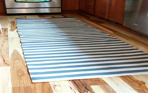 Kitchen Rugs Hardwood Floors by Lawyer Tips