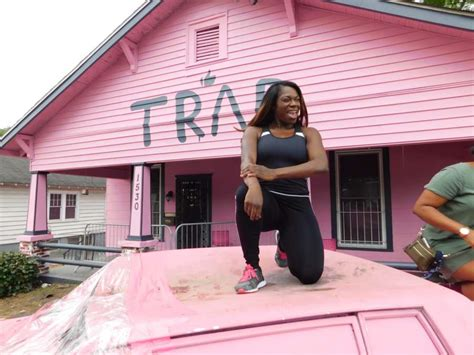 trap house 4 2 chainz just turned his pink trap house into a hiv testing facility celebrity