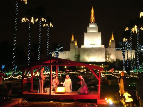 the lindsay chronicles oakland temple christmas lights
